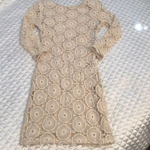 Dresses & Skirts - Lace  dress with long sleeves and low-cut back